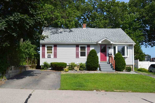Cape,Ranch, Single Family - Manchester, NH (photo 3)