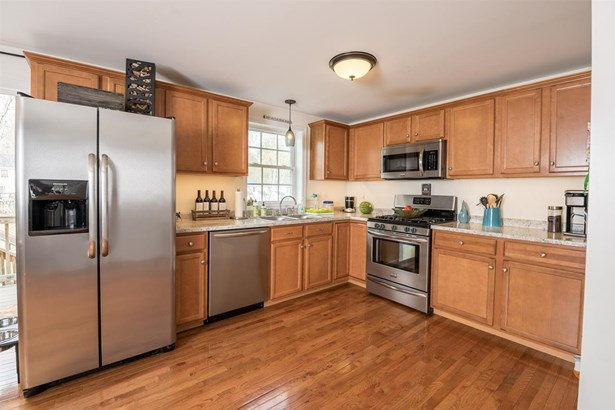 Townhouse, Condo - Epping, NH (photo 3)