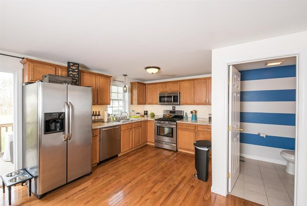 Townhouse, Condo - Epping, NH (photo 4)