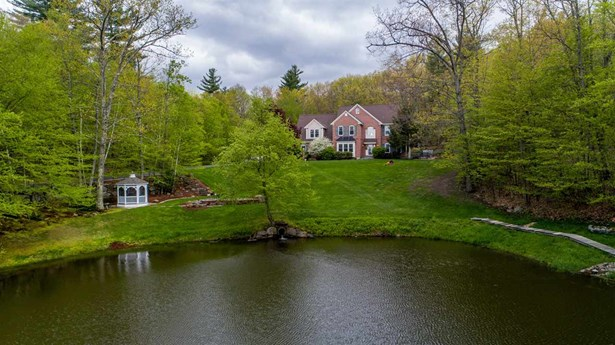 Colonial,Contemporary, Single Family - Bedford, NH (photo 1)