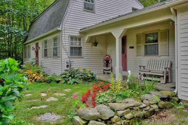 Gambrel, Single Family - Francestown, NH (photo 1)