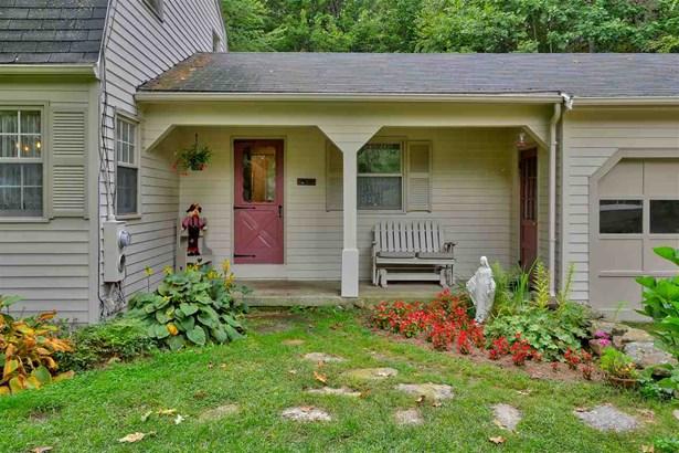 Gambrel, Single Family - Francestown, NH (photo 2)