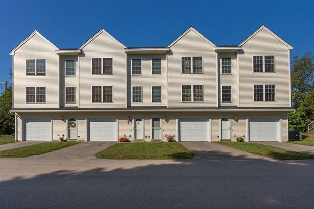 End Unit,Multi-Level, Condo - Epping, NH (photo 2)