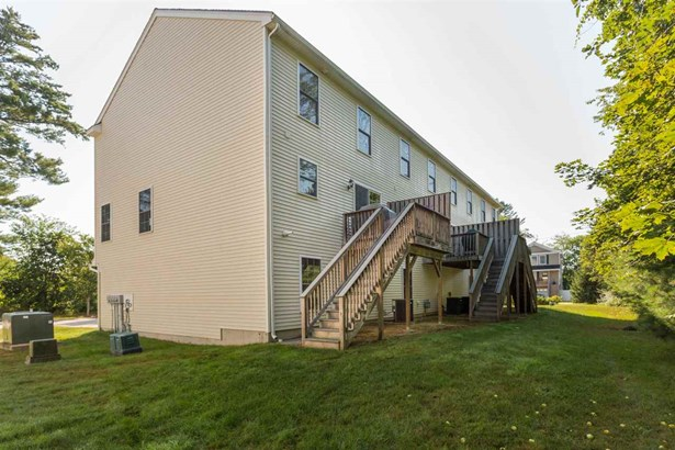 End Unit,Multi-Level, Condo - Epping, NH (photo 4)