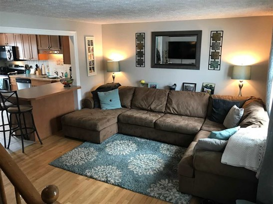 Townhouse, Condo - Allenstown, NH (photo 2)