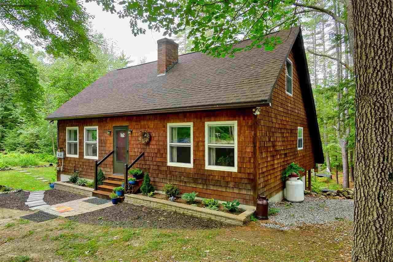 Cape, Single Family - Francestown, NH (photo 1)