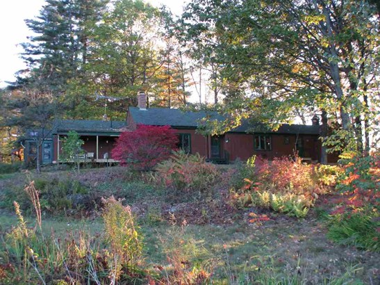 Ranch, Single Family - Hill, NH (photo 2)