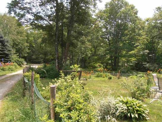 Raised Ranch, Single Family - Antrim, NH (photo 4)