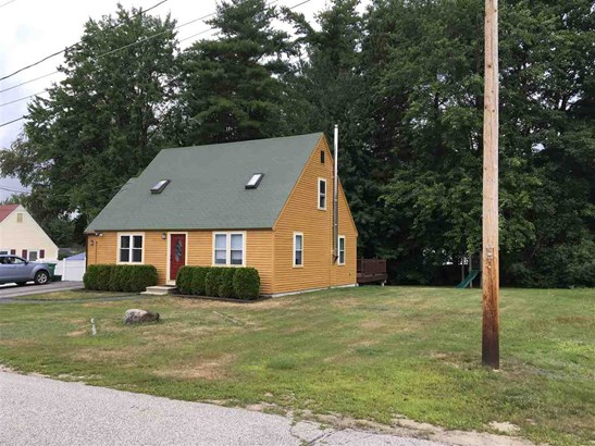 Cape, Single Family - Rochester, NH (photo 2)