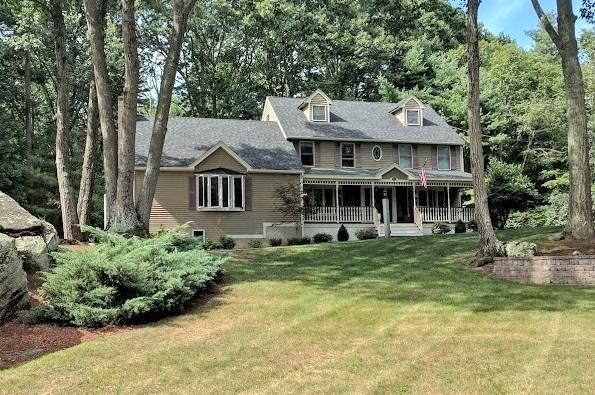 Colonial,Contemporary,Farmhouse,Walkout Lower Level - Single Family (photo 1)
