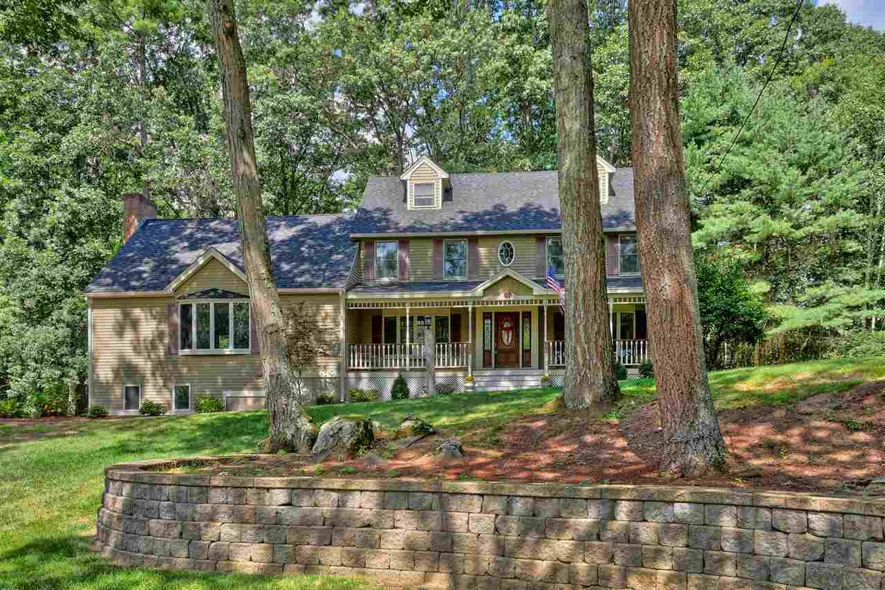 Colonial,Contemporary,Farmhouse,Walkout Lower Level - Single Family (photo 2)