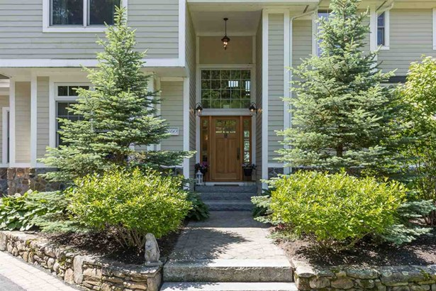 Colonial,Contemporary, Single Family - Newmarket, NH (photo 3)