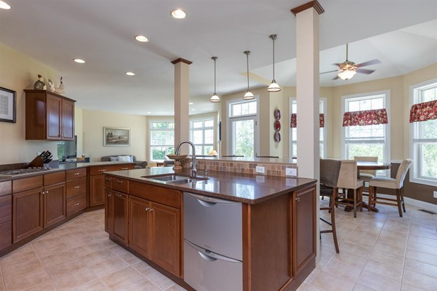 Colonial,Contemporary, Single Family - Newmarket, NH (photo 4)