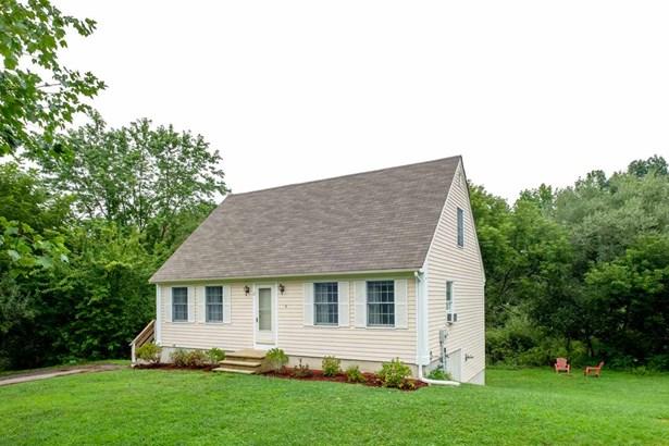 Cape, Single Family - Dover, NH