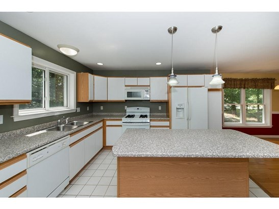 Condex, Single Family - Barrington, NH (photo 5)