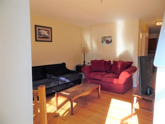 Townhouse, Single Family - Manchester, NH (photo 4)