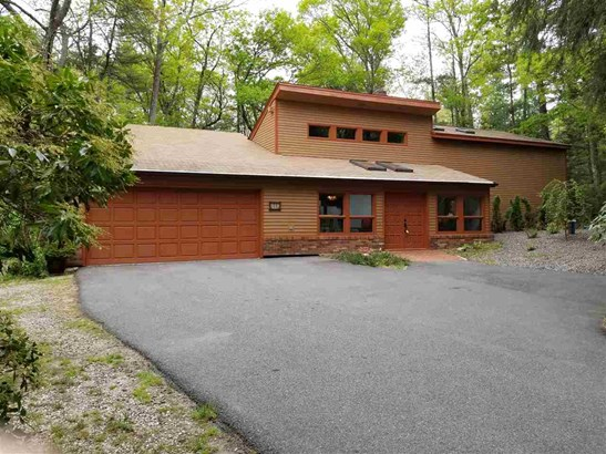 Contemporary, Single Family - Londonderry, NH (photo 1)
