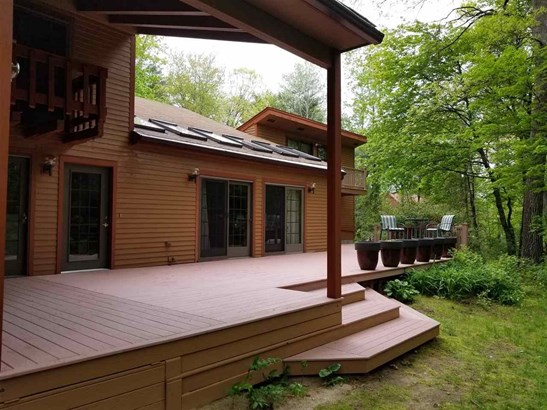 Contemporary, Single Family - Londonderry, NH (photo 5)