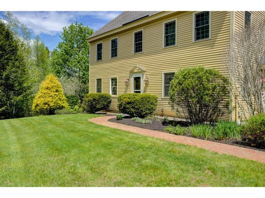 Colonial,Saltbox,Walkout Lower Level, Single Family - New Boston, NH (photo 1)