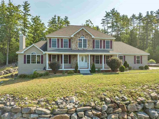 Single Family, Colonial,Contemporary,Walkout Lower Level - Weare, NH