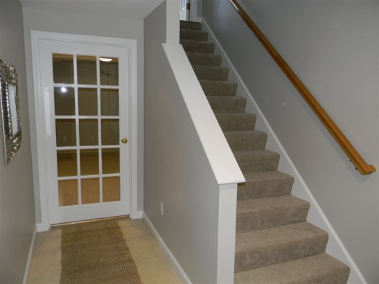 Townhouse, Condo - Amherst, NH (photo 2)