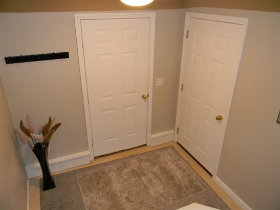 Townhouse, Condo - Amherst, NH (photo 4)