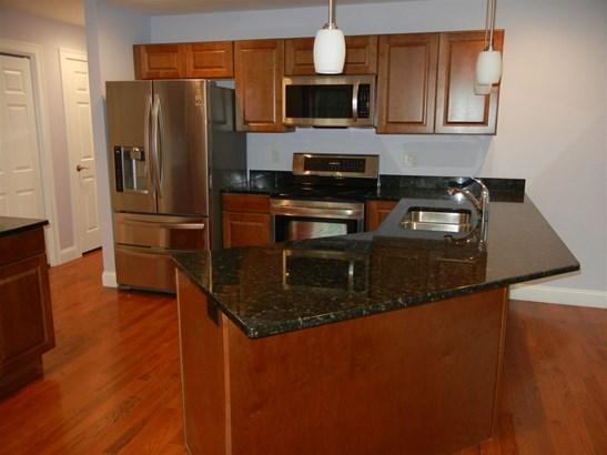 Condo, Condex,Duplex,End Unit,Ranch - Amherst, NH (photo 2)