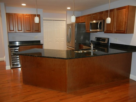 Condo, Condex,Duplex,End Unit,Ranch - Amherst, NH (photo 3)