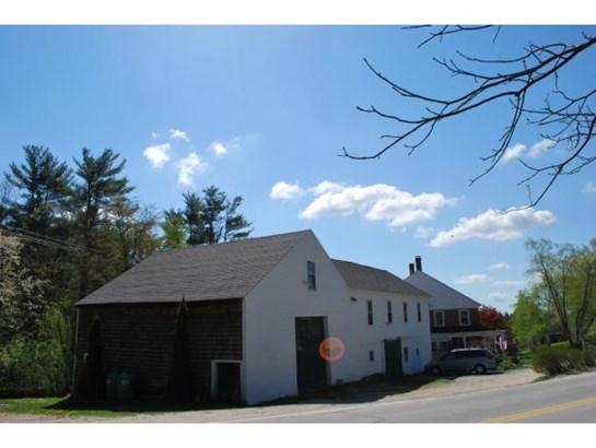 Antique,Farmhouse,Historic Vintage,New Englander, Apartment - Temple, NH (photo 3)