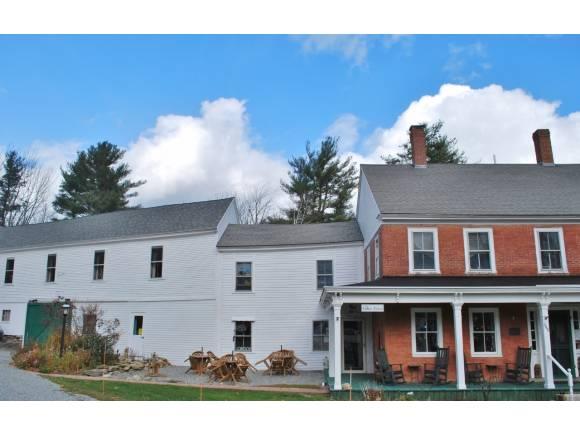 Antique,Farmhouse,Historic Vintage,New Englander, Apartment - Temple, NH (photo 4)
