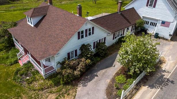 Farmhouse, Single Family - Tilton, NH (photo 4)