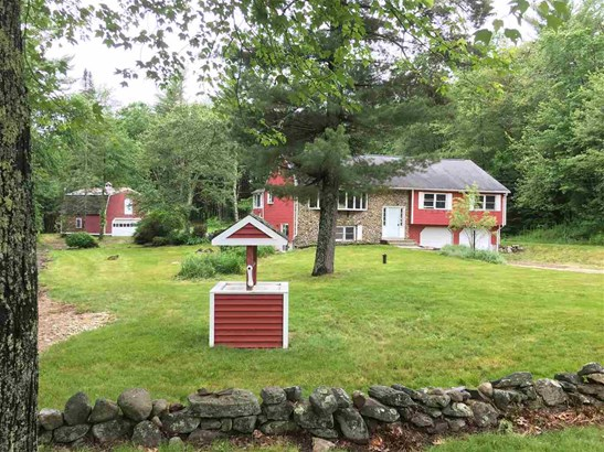 Raised Ranch, Single Family - Hampstead, NH (photo 2)