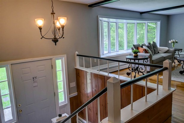 Raised Ranch, Single Family - Hampstead, NH (photo 4)