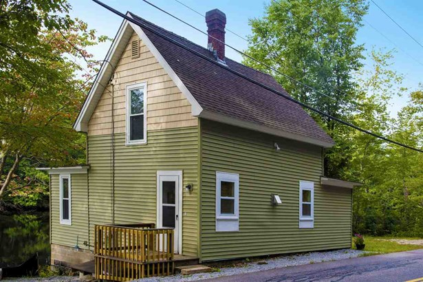 Cape, Single Family - Concord, NH