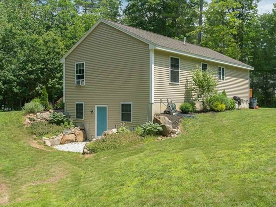 Ranch, Single Family - Somersworth, NH (photo 4)
