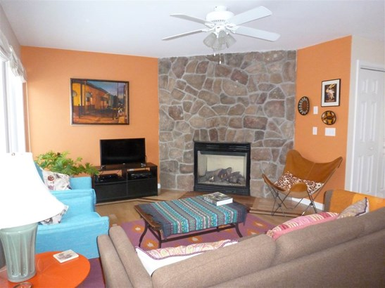 Townhouse, Condo - Hopkinton, NH (photo 2)