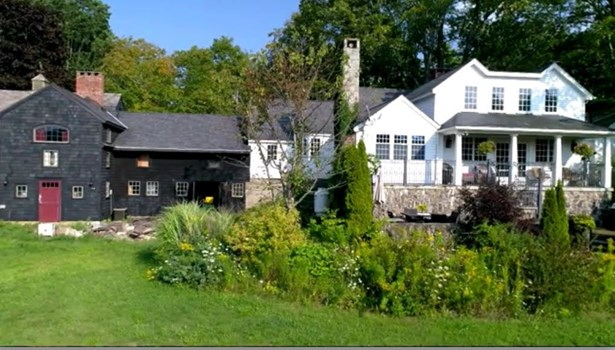 Antique,Cape,Carriage,Conversion,New Englander,w/Addition - Single Family (photo 1)