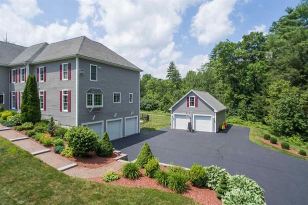 Colonial, Single Family - Barrington, NH (photo 2)