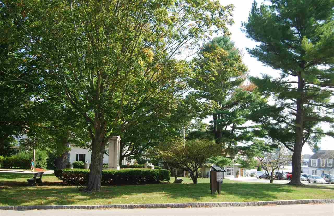 Colonial, Multi-Family - Kittery, ME (photo 2)