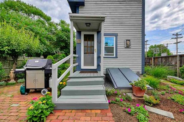 Farmhouse,New Englander, Single Family - Antrim, NH (photo 2)