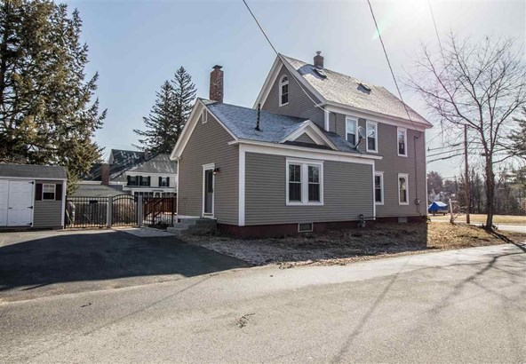 New Englander, Single Family - Rochester, NH (photo 4)