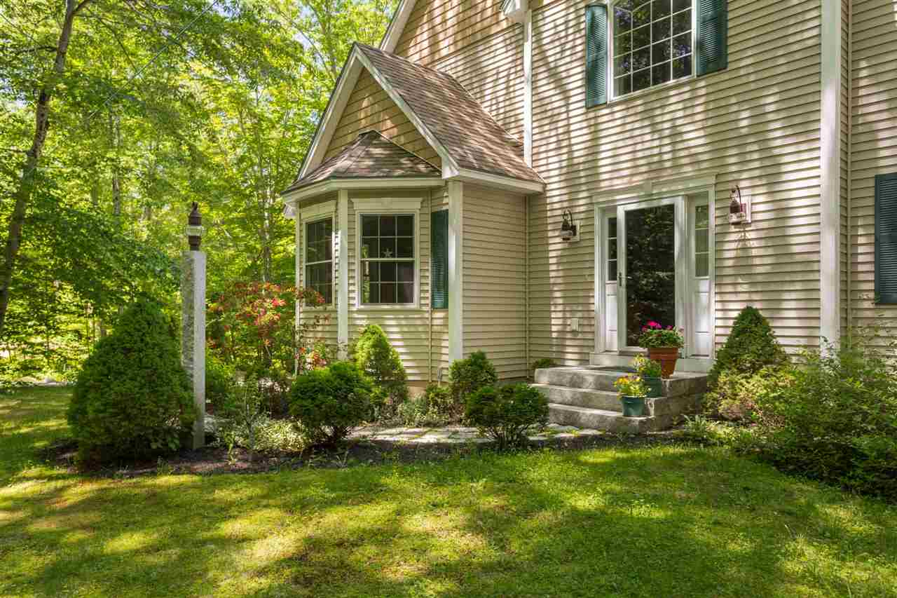 Colonial, Single Family - Exeter, NH (photo 2)