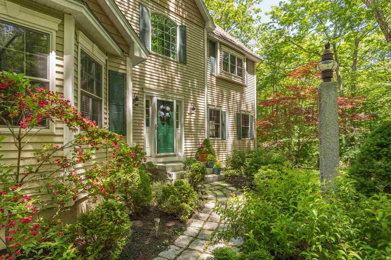 Colonial, Single Family - Exeter, NH (photo 4)