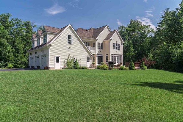Colonial, Single Family - Mont Vernon, NH (photo 4)