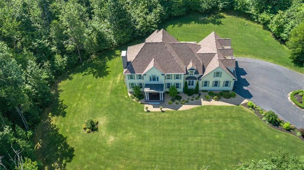Colonial, Single Family - Mont Vernon, NH (photo 5)