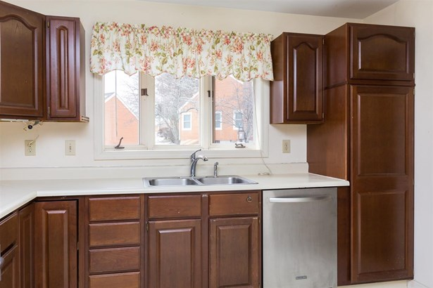 End Unit,Ranch,Townhouse,Walkout Lower Level, Condo - Dover, NH (photo 5)