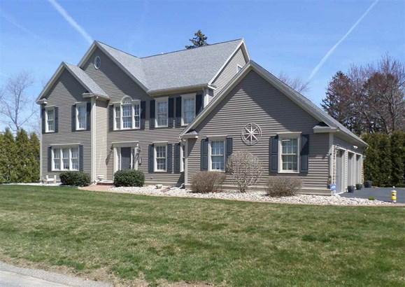 Colonial, Single Family - Hampton, NH (photo 1)