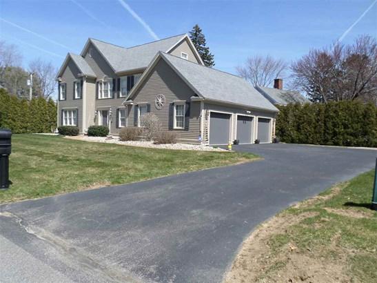 Colonial, Single Family - Hampton, NH (photo 2)