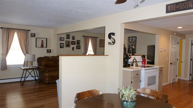 Bungalow,Ranch, Single Family - Manchester, NH (photo 5)