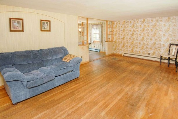 Split Level, Single Family - Somersworth, NH (photo 2)